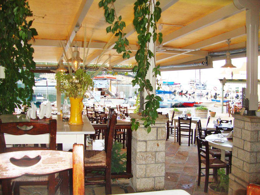 Nassos Tavern 10