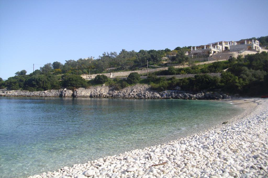 Kaki Lagada Beach 01