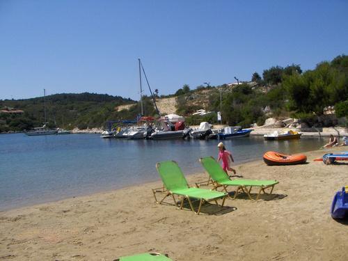 Mogonisi beach