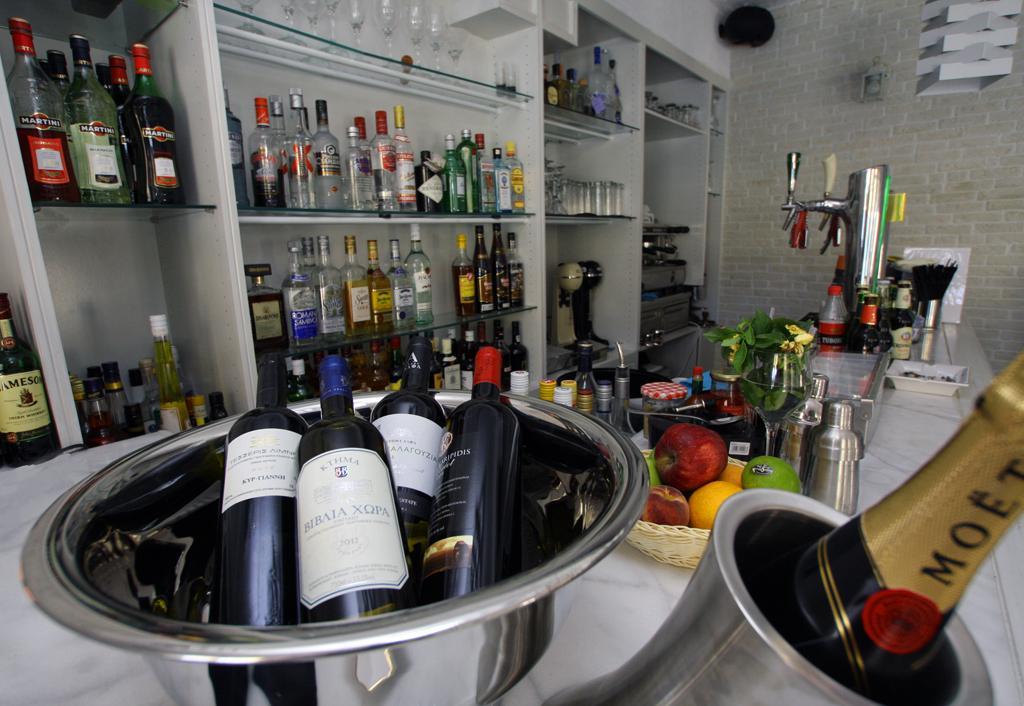Manesko Bar – Restaurant 06