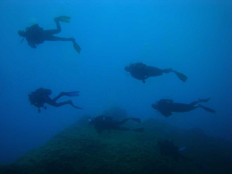 sub marine rock (5)