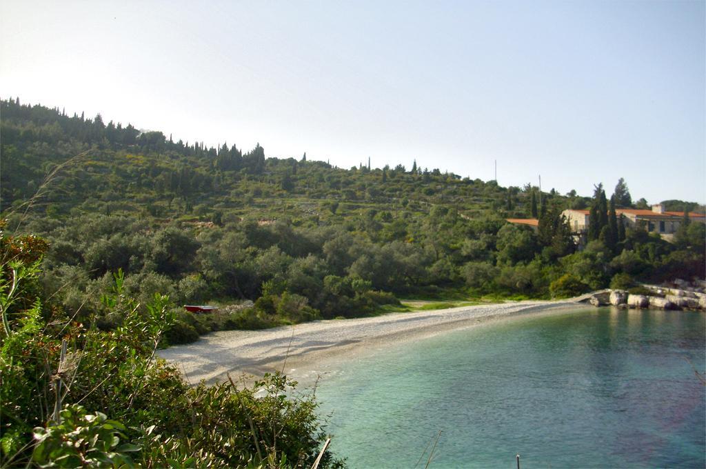 Kaki Lagada Beach 02