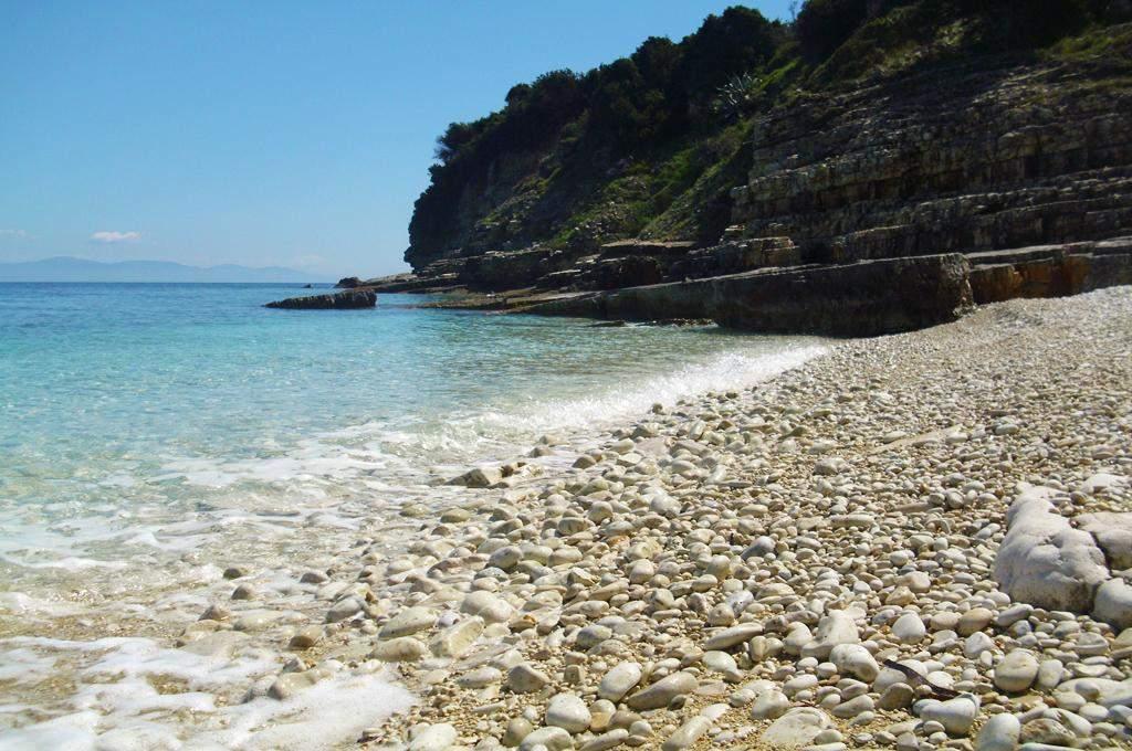 Plakes Beach 02