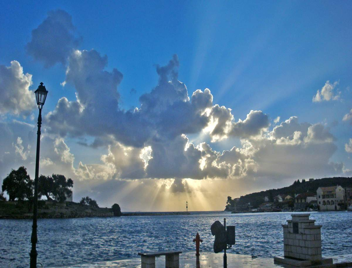 Gaios at Paxos