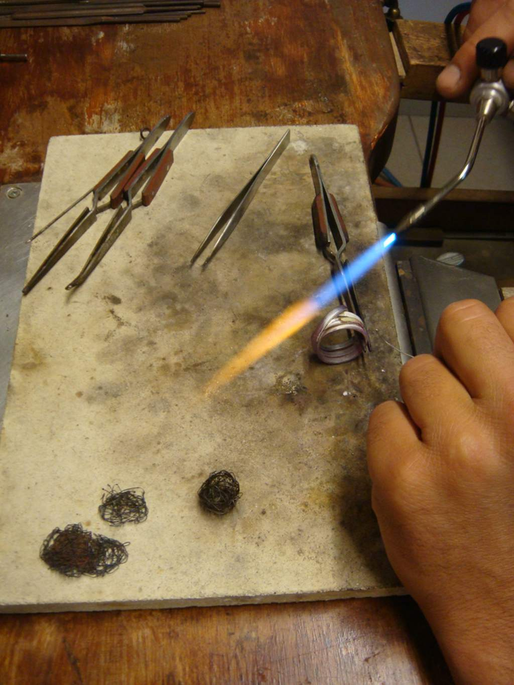 making-handmade-jewels