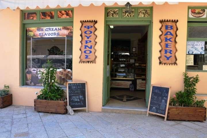 robolas bakery lakka (1)