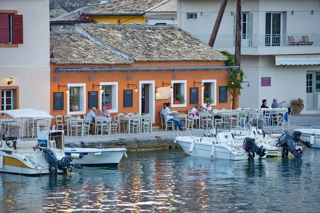 taverna vasilis (2)