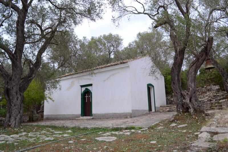 St.-Isavros-in-Kastanida-1