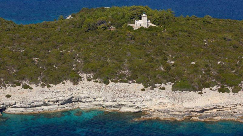 antipaxos-lighthouse-2