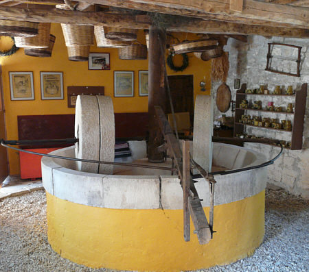 olive-press-museum-3
